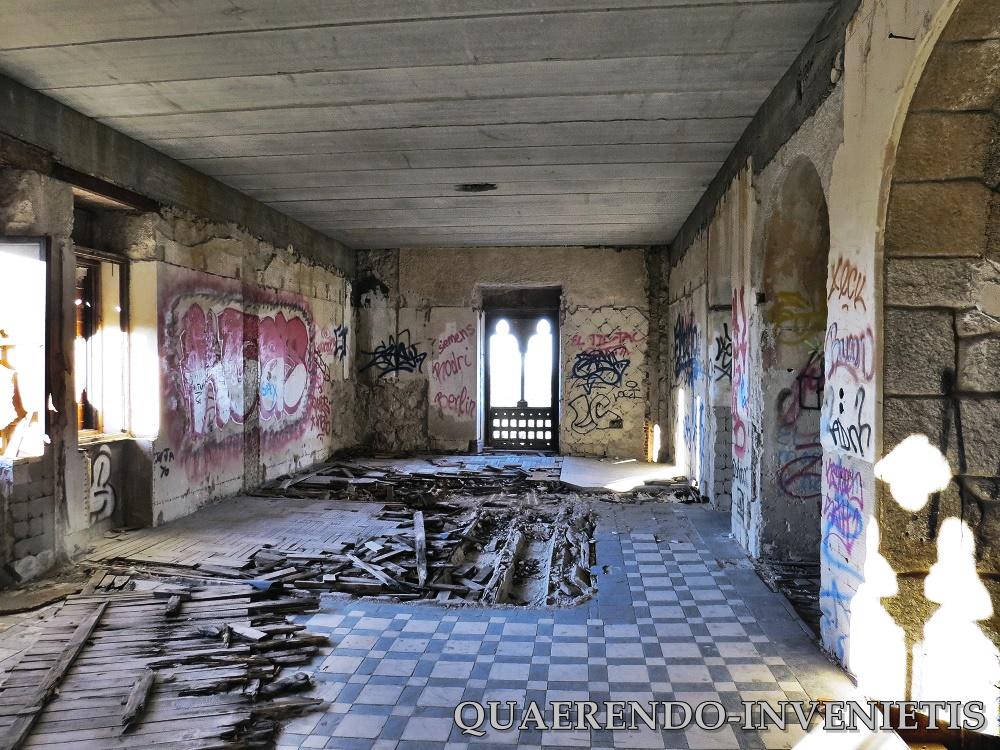 Palacio Abandonado De Canto Del Pico Quaerendo Invenietis
